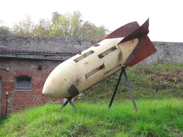 """Pluszne Wielkie - jezioro pełne tajemnic - """"Betonowe Bomby cz.1 - full image"""
