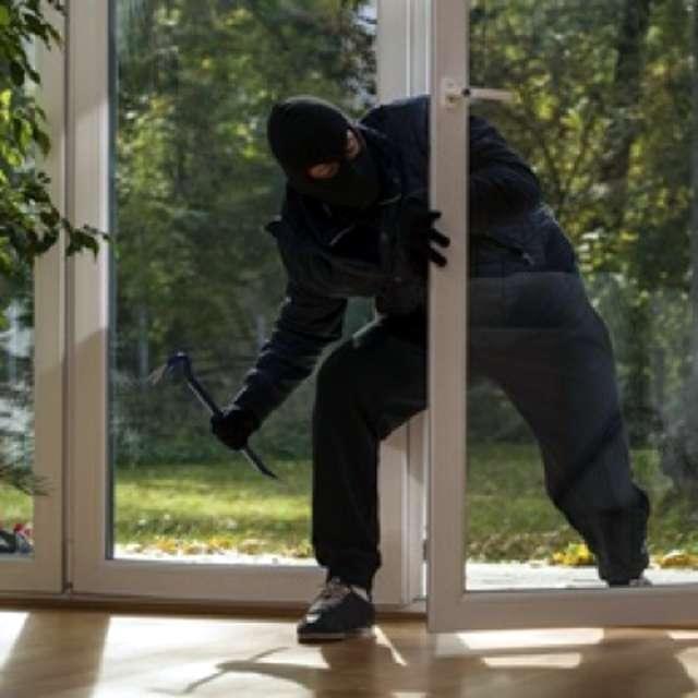 Kradzież z włamaniem - full image