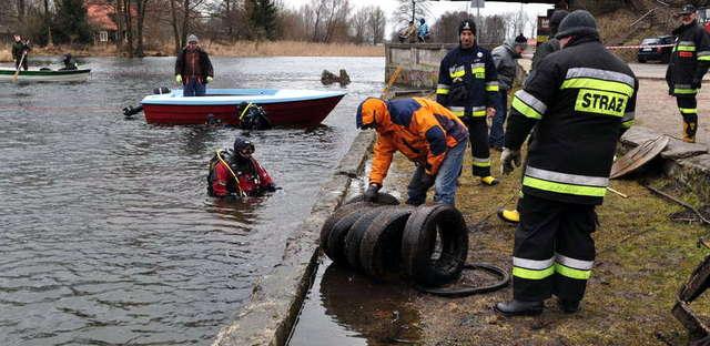 III Akcja Sprzątania Dna Rzeki Pisy - full image