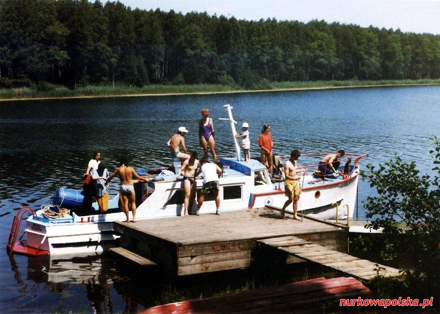 https://m.nurkowa.pl/2015/08/orig/jezioro-ukiel-andrzej-06-1990-001-921.jpg