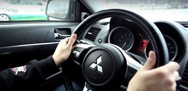 Technika jazdy w warunkach zimowych - full image