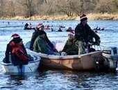 XI Mikołajkowy Spływ Płetwonurków rzeką Odrą w Głogowie